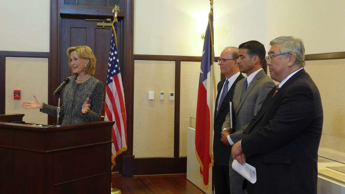 """Hidalgo Foundation President Tracy Wolff, Bexar County Judge Nelson Wolff, District Attorney Nicholas """"Nico"""" LaHood and District Judge Peter Sakai announce an early intervention program for the Children's Court. The grant-funded program will focus on families with children ages 3 and under."""