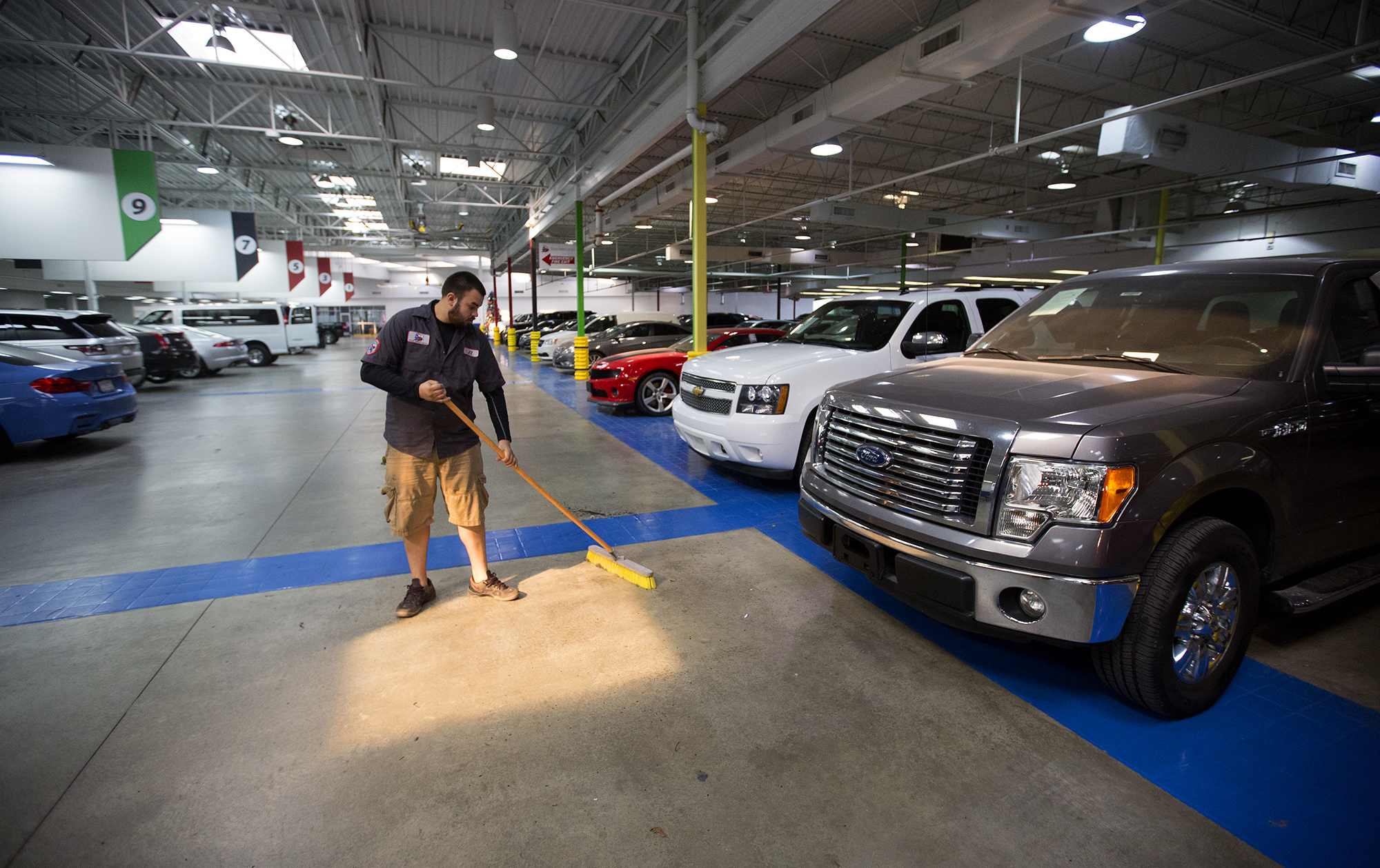 vroom agrees to acquire texas direct auto houston chronicle. Black Bedroom Furniture Sets. Home Design Ideas