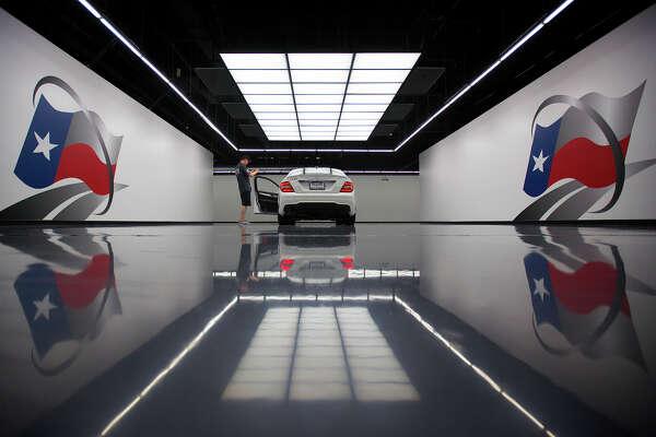 Online Retailer Texas Direct Auto Goes Vroom