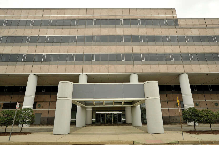 The former Pitney Bowes world headquarters on Elmcroft Road in Stamford, Conn. in July 2015 as Building and Land Technology finalized plans to purchase the building for $38.5 million. Photo: Jason Rearick / Hearst Connecticut Media / Stamford Advocate