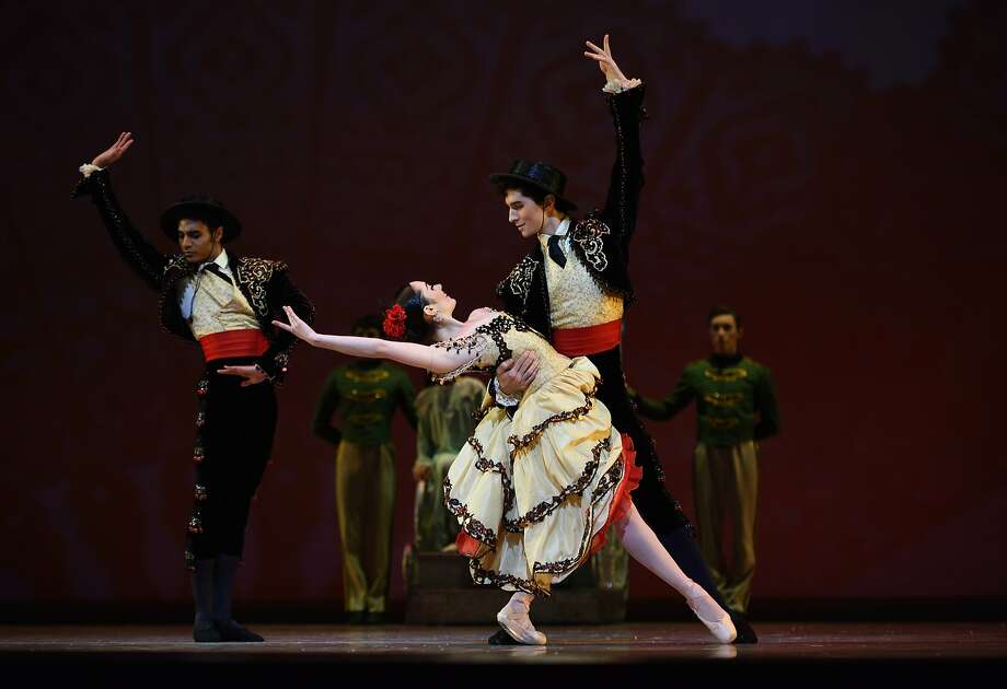 "San Francisco Ballet in Tomasson's ""Nutcracker."" Photo: Erik Tomasson"