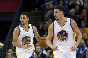 Warriors' Klay Thompson plays Robin to Stephen Curry's Batman - Photo