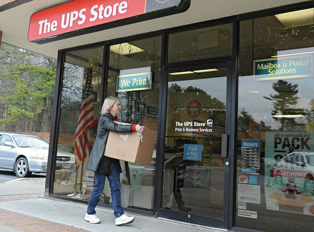 UPS, FedEx lag behind USPS in on-time holiday deliveries - Times Union