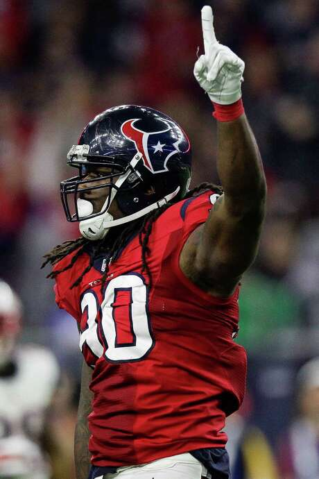 With two sacks Sunday, Jadeveon Clowney is starting to show why he was drafted No. 1 overall. Photo: Michael Ciaglo, Staff / © 2015  Houston Chronicle