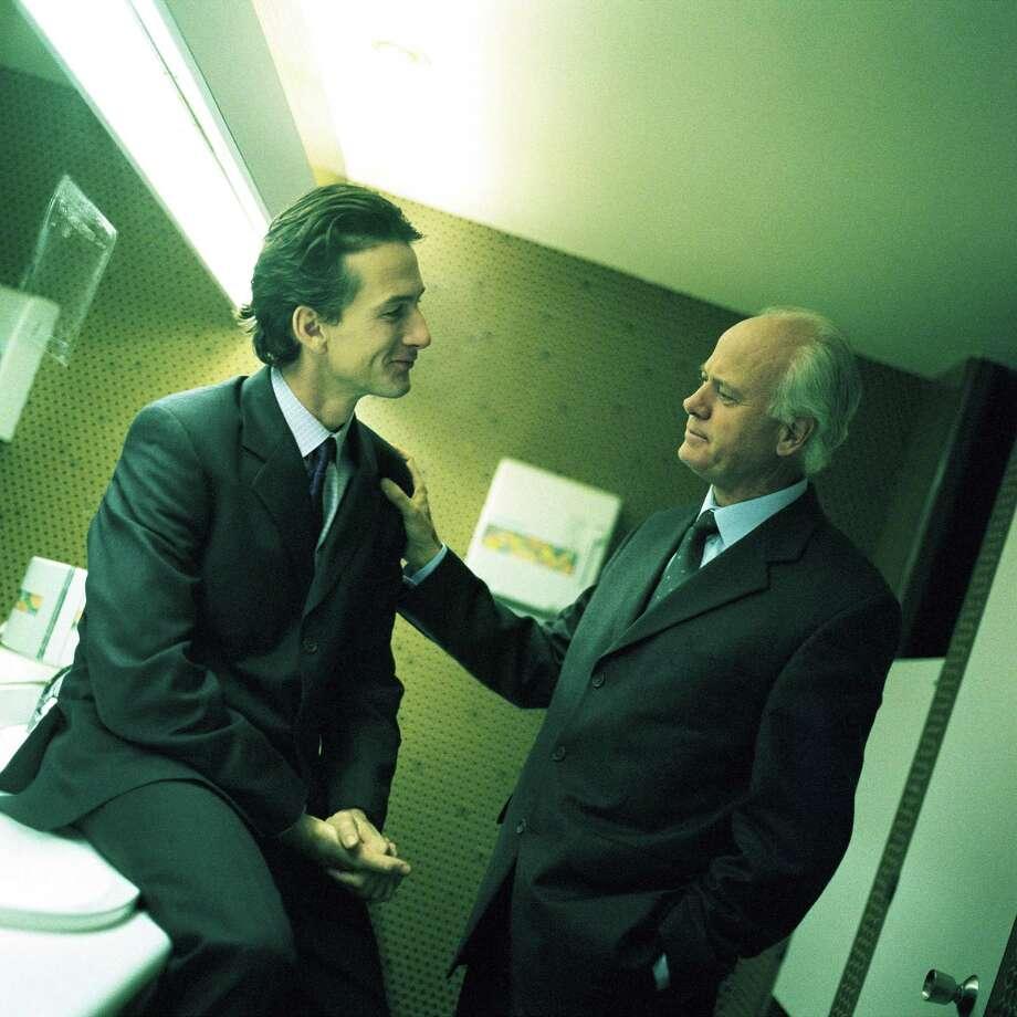 The bathroom talker Photo: PhotoAlto, Getty Images / PhotoAlto