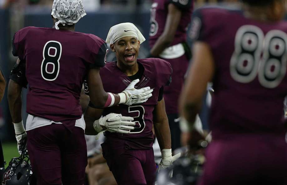 George Ranch's Joshua Scruggs (3) celebrates on the sidelines the final minutes of the Class 5A Division I semifinals at NRG Stadium between George Ranch vs. Cedar Park Vista Ridge on Friday, Dec. 11, 2015. Photo: Elizabeth Conley, Staff / © 2015 Houston Chronicle