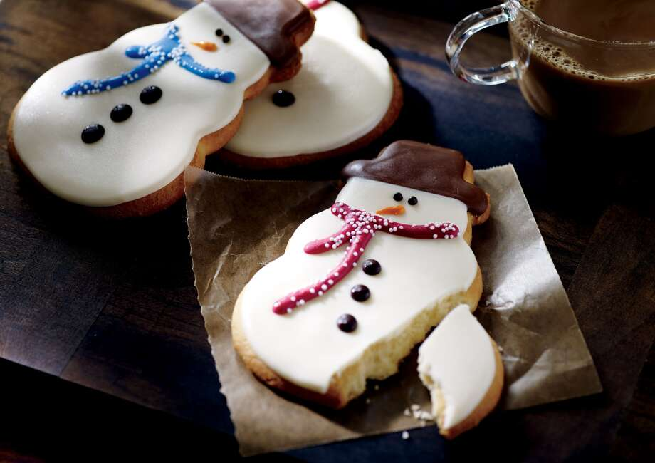 Starbucks Snowman Cookie: 400 calories. Photo: Starbucks