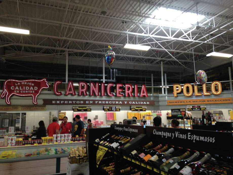 H e b eyeing 6 new central market locations for newly for Craft beer store san antonio