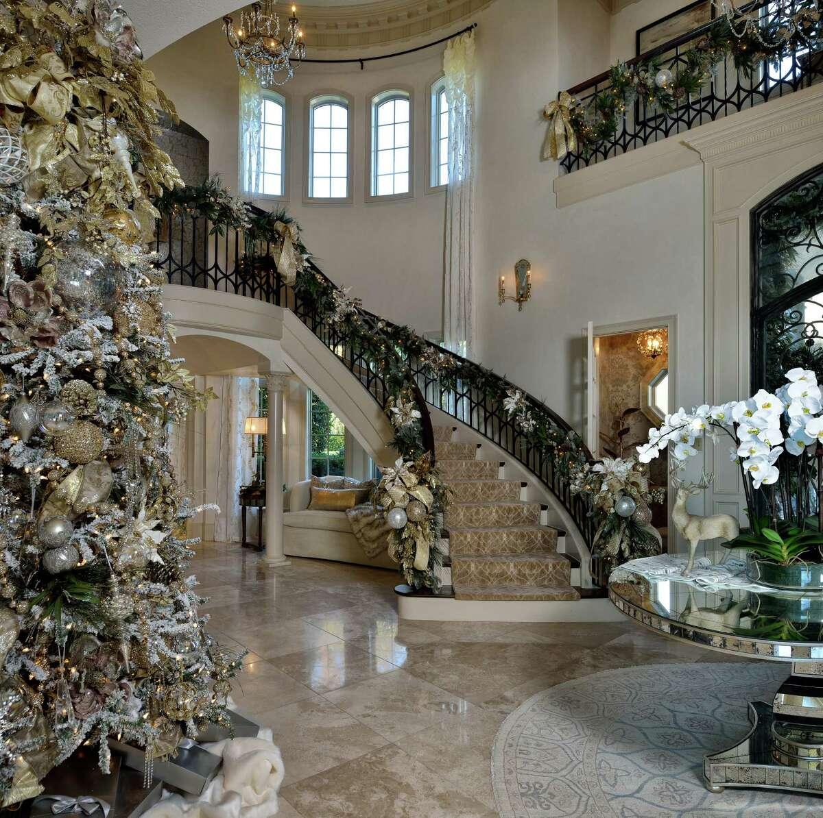 Entryway designed by Nancy Charbonneau