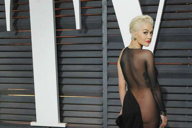 BEVERLY HILLS, CA - FEBRUARY 22:  Singer Rita Ora arrives at the 2015 Vanity Fair Oscar Party Hosted By Graydon Carter at Wallis Annenberg Center for the Performing Arts on February 22, 2015 in Beverly Hills, California.  (Photo by Jon Kopaloff/FilmMagic)