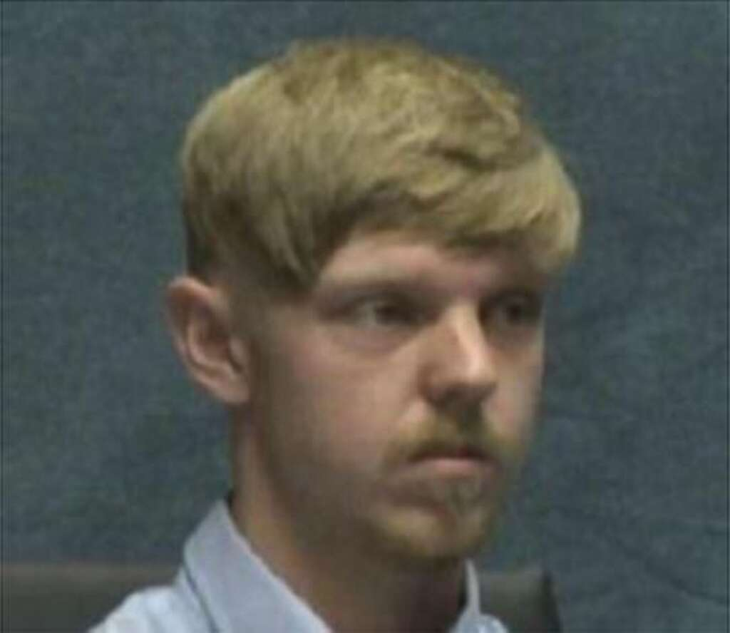 Affluenza' teen's mom to remain jailed pending trial