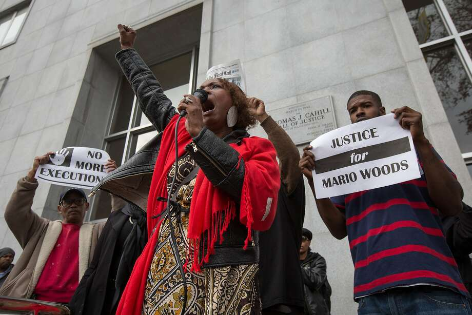 Gwen Wood, center, the mother of Mario Woods, protests outside the Hall of Justice, Friday, Dec. 18, 2015, in San Francisco, Calif. Mario Woods was shot an killed by police officers after police say he walked toward officers with a knife. Photo: Santiago Mejia, Special To The Chronicle