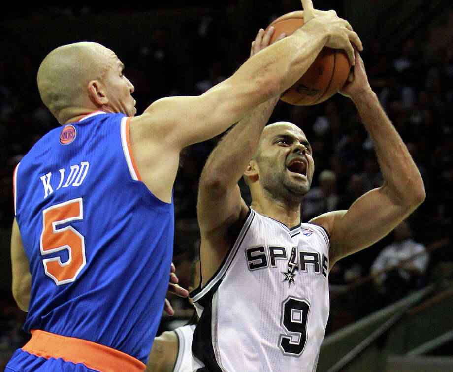Jason Kidd thwarts Tony Parker in the second half as the Spurs host the New York Knicks at the AT&T Center on Nov. 15, 2012. Photo: Tom Reel /San Antonio Express-News / ©2012 San Antono Express-News