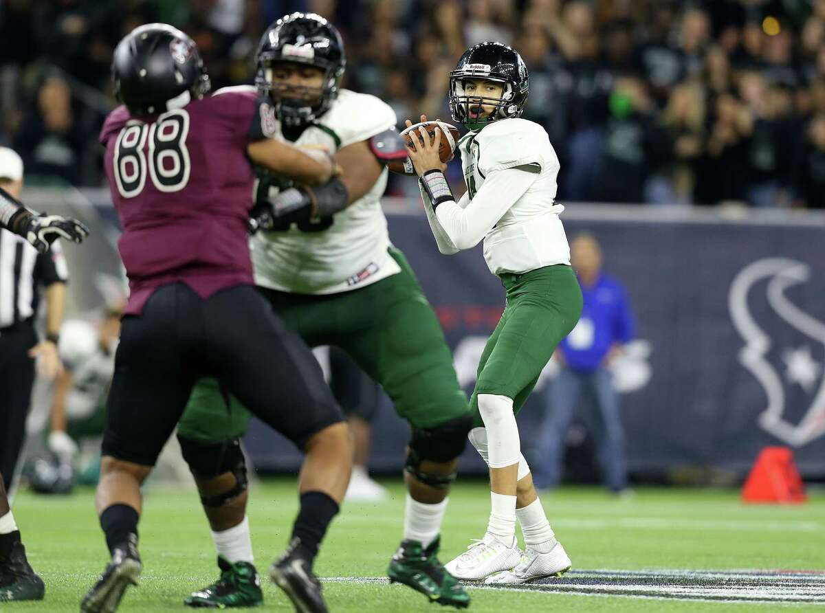 Mansfield Lake Ridge's Jason Bean (16) is put in as quarterback in the secondhalf of 5A Div. 1 championship football game against Mansfield Lake Ridge on Friday, Dec. 18, 2015, in Houston. Richmond George Ranch won the game 56-0.