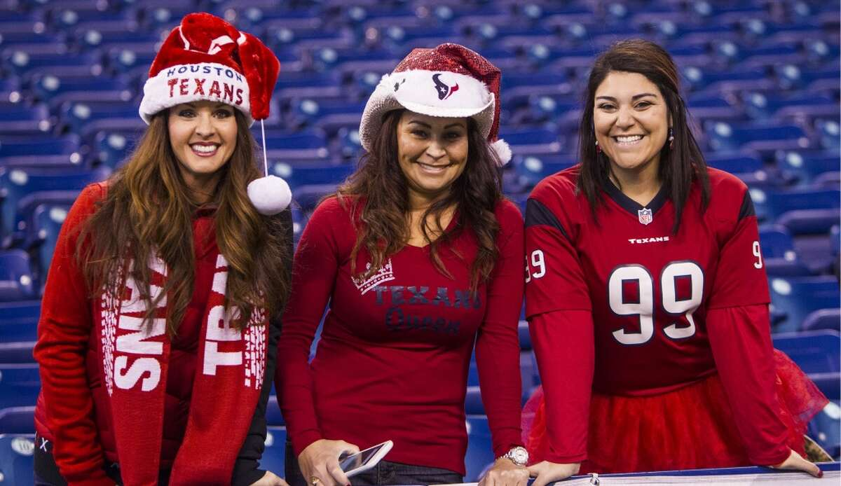Houston Texans fans watch warm ups before an NFL football game against the Indianapolis Colts at Lucas Oil Stadium on Sunday, Dec. 20, 2015, in Indianapolis. ( Brett Coomer / Houston Chronicle )