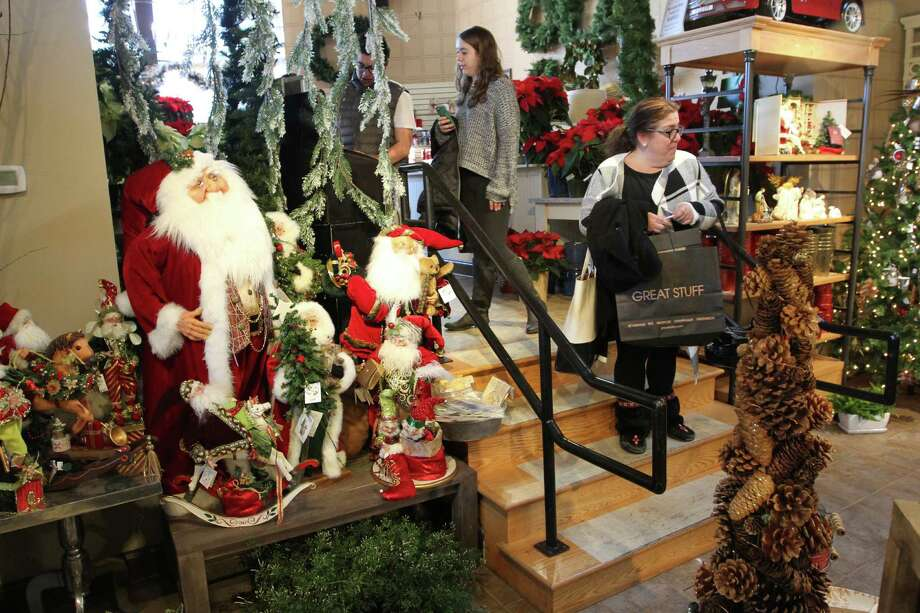 33 percent of Americans plan to spend more than $500 on holiday shopping in 2017. Source: WalletHub Photo: Matthew Brown, For Hearst Connecticut Media / Connecticut Post Freelance