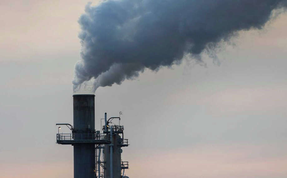 Chemical plants on Highway 225 are seen Thursday, Dec. 10, 2015, in Houston. Photo: Jon Shapley