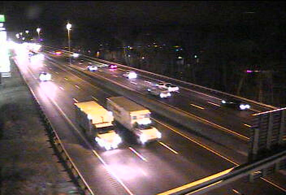 Traffic on I-95 in Fairfield Monday morning, 6:20 a.m. Photo: /