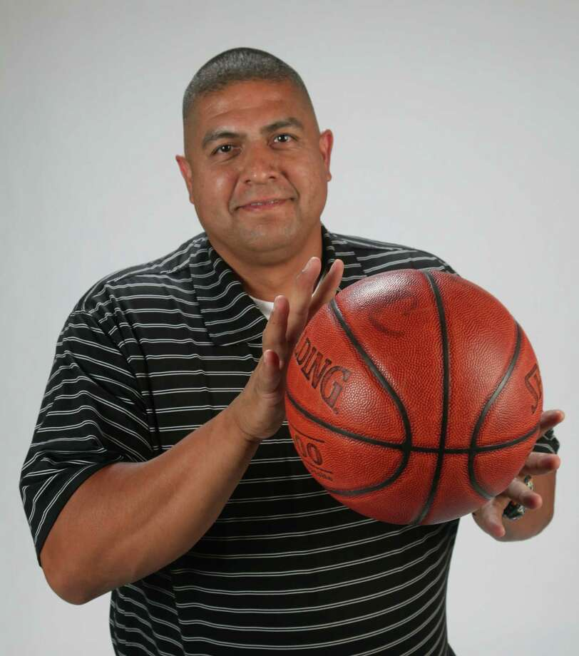 Art Vela was hired as the Jefferson basketball coach last summer. Photo: JUANITO M GARZA /Express-News / San Antonio Express-News