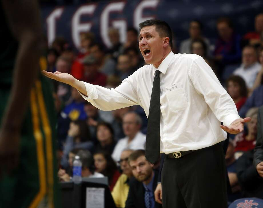 USF head coach Rex Walters disputes a call in 1st half against St. Mary's during WCC basketball game in Moraga, Calif., on Monday, December 21, 2015. Photo: Scott Strazzante, The Chronicle