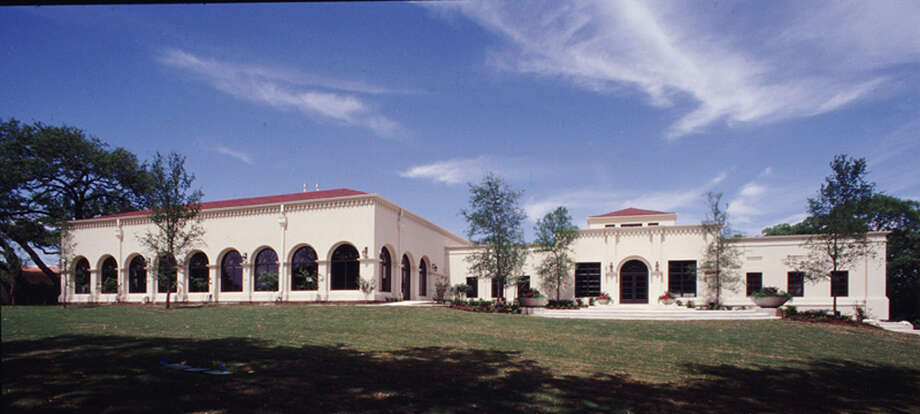 Oak Hills Country Club clubhouse Photo: COURTESY GUIDO BROTHERS CONSTRUC