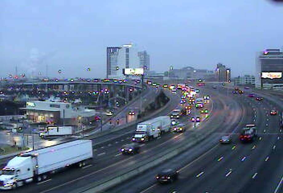 I-95 through Bridgeport, Wednesday, 7:10 a.m. Photo: CT DOT
