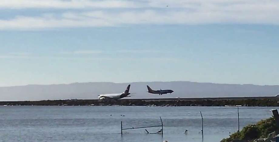 Southwest flight 2547 landed safely at Oakland International Airport after being forced back to the airport when it experienced a landing gear issue Wednesday morning. Photo: Kale Williams