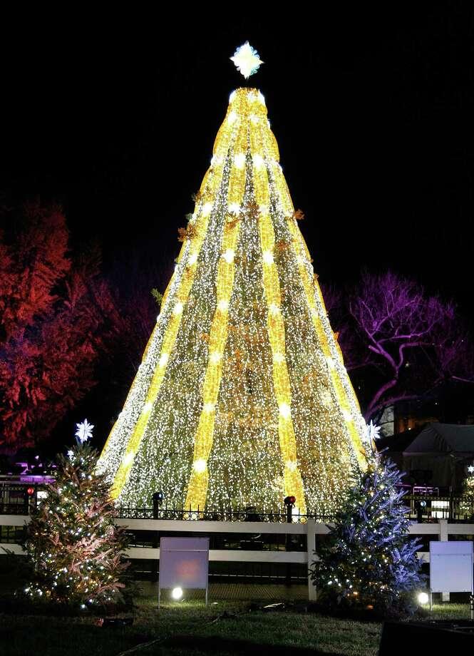 the national christmas tree lighting ceremony in presidents park on thursday december 3 2015