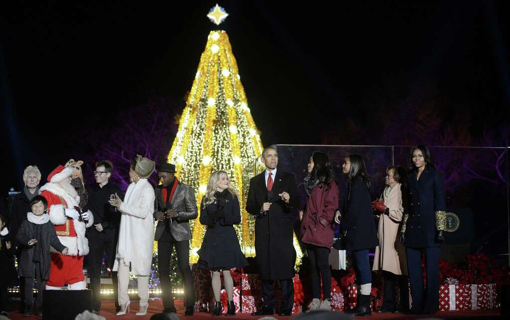 Ge Sets Holiday Trees Aglow New Haven Register