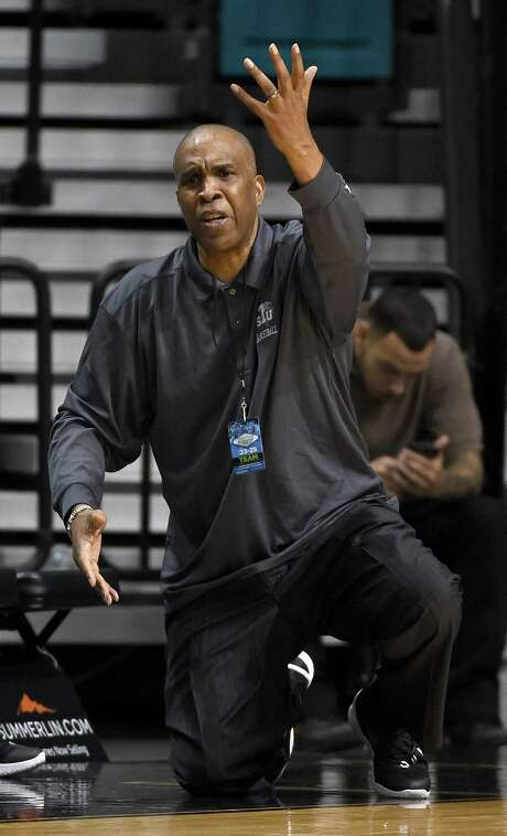 Mike Davis shows his frustration during TSU's loss to Howard in a tournament in Las Vegas earlier this month. Photo: Ethan Miller, Staff / 2015 Getty Images