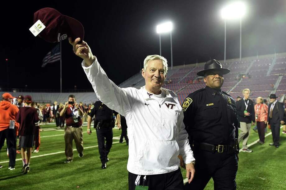 SHREVEPORT, LA - DECEMBER 26:  Head coach Frank Beamer of the Virginia Tech Hokies waves to fans following a victory over the Tulsa Golden Hurricane in the Camping World Independence Bowl on December 26, 2015 in Shreveport, Louisiana.  Virginia Tech won the game 55-52.  (Photo by Stacy Revere/Getty Images) Photo: Stacy Revere, Stringer / 2015 Getty Images
