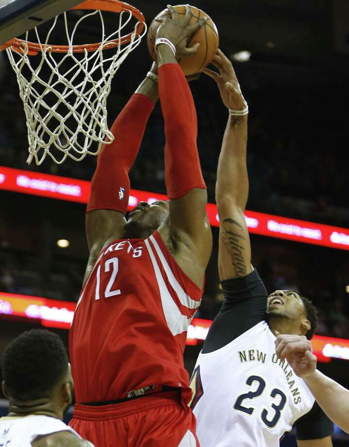 Rockets center Dwight Howard had seven points on 3-of-4 shooting against the Pelicans. Photo: Jonathan Bachman, FRE / FR170615 AP