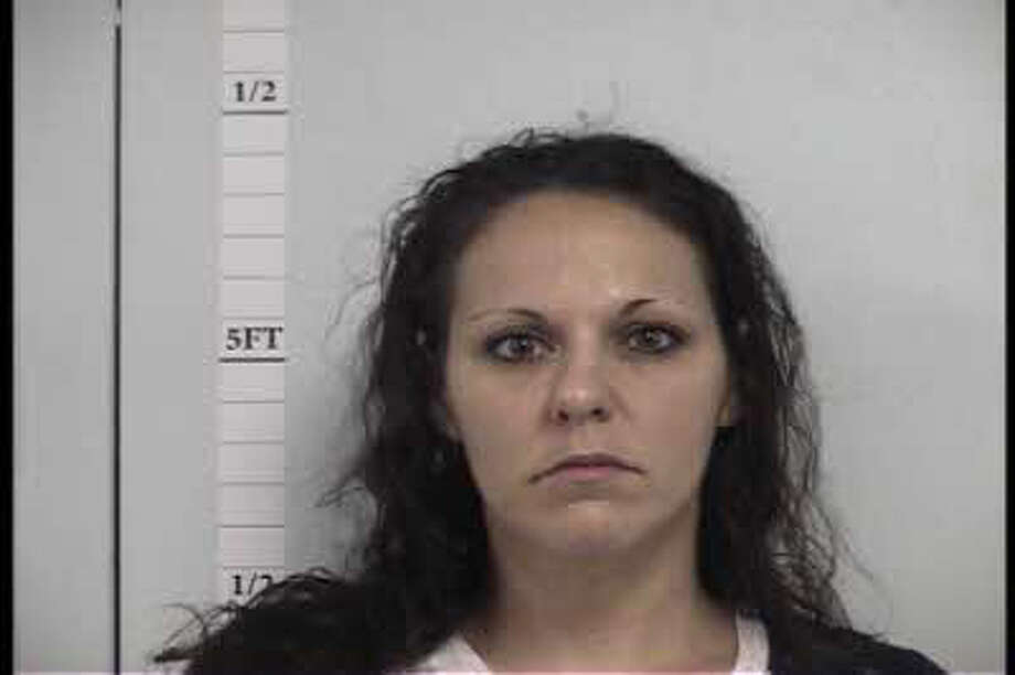 Alisha Ann Hunt, 34, of Kountze, is wanted on two counts of forgery. Photo: Hardin County Sheriff's Office