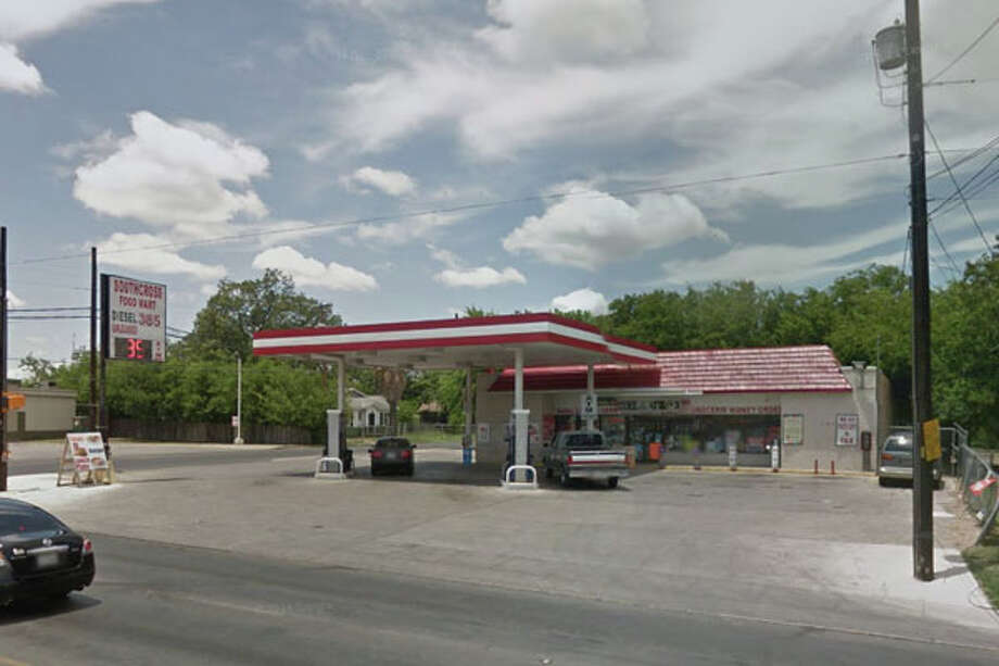 Southcross Food Mart: 539 W. Southcross Blvd. Date: 02/20/2019 Score 69 Highlights: Food-contact surfaces were not clean. Packaging on foods was fading. Photo: Google Street View/Maps