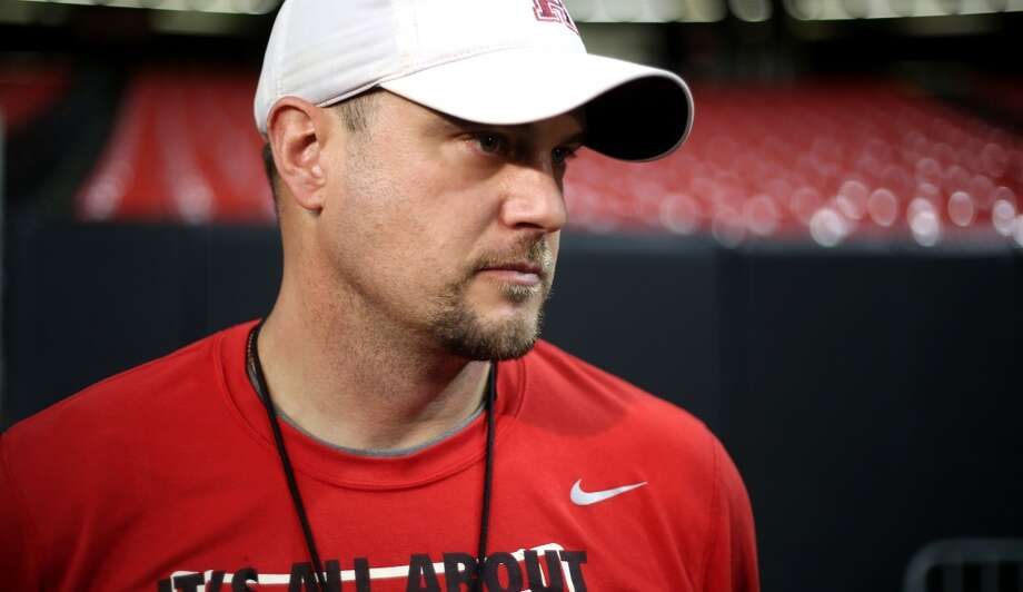 UH coach Tom Herman and the Cougars are trying to become the first Group of Five school to make the College Football Playoff. Photo: Houston Chronicle