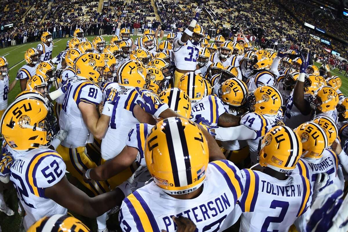 No. 3 LSU Total commitments: 25 Five-star commits:2 Four-star commits: 16 Three-star commits:7 Top-ranked commitment: Kristian Fulton, CB, Metairie (La.) Archbishop Rummel - 21st-ranked recruit in the country.