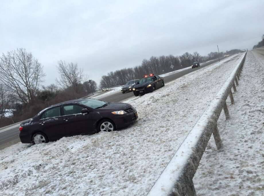 Corrections officer from Albany dies in I-90 crash - SFGate