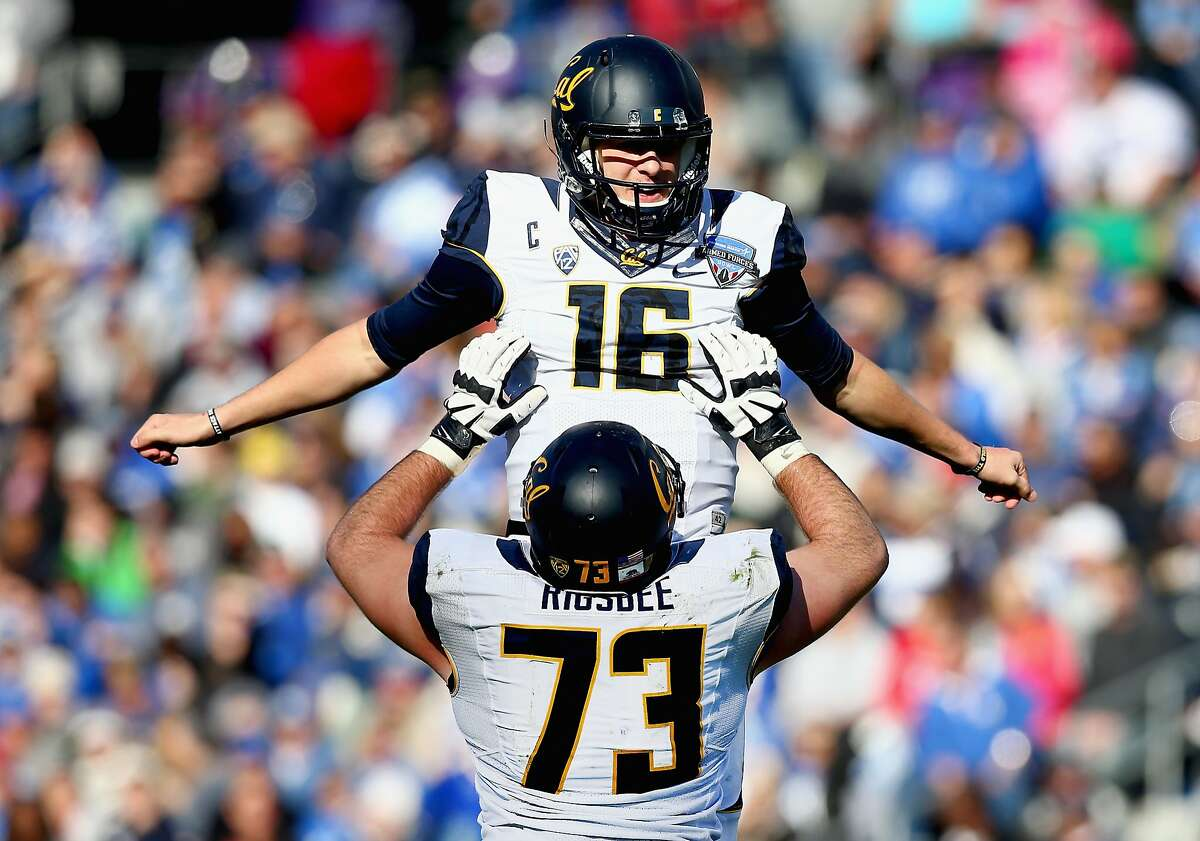 FORT WORTH, TX - DECEMBER 29: Jared Goff #16 of the California Golden Bears celebrates with Jordan Rigsbee #73 of the California Golden Bears after throwing a touchdown pass against the Air Force Falcons in the second quarter of the Lockheed Martin Armed Forces Bowl at Amon G. Carter Stadium on December 29, 2015 in Fort Worth, Texas. (Photo by Tom Pennington/Getty Images)
