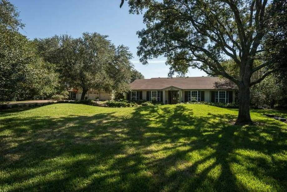 10205 Highway 105, Beaumont, TX 77713.$600,000. 4 bedroom, 3 full baths. 3,906 sq. ft., 10.37 acres. Photo: Realtor.com