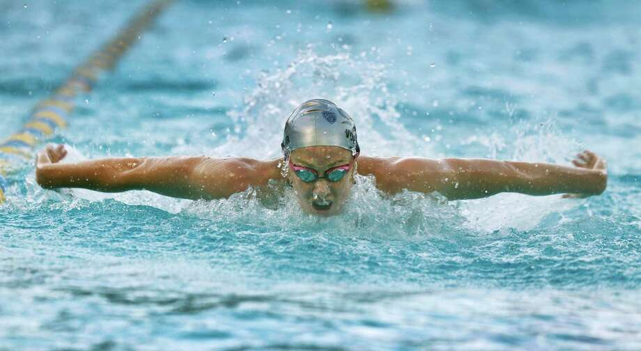 Olympic gold medalist and former Cal swimmer Dana Vollmer trains with the Bears swim team at UC Berkeley earlier in December. Photo: Paul Chinn / Paul Chinn / The Chronicle / ONLINE_YES