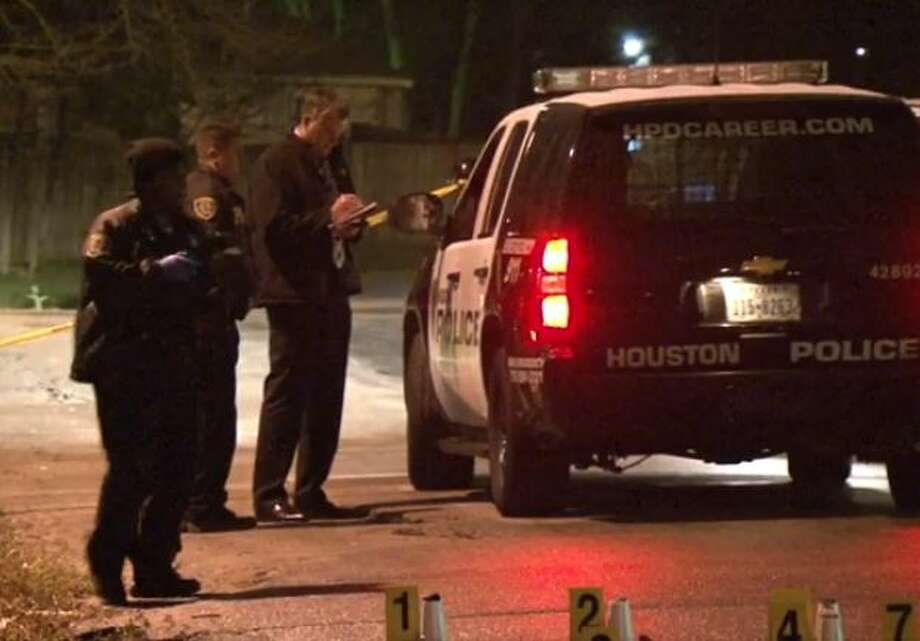 Houston police investigate a homicide in southeast Houston last year. Photo: Christian, Carol, Screen Shots Via Metro Video