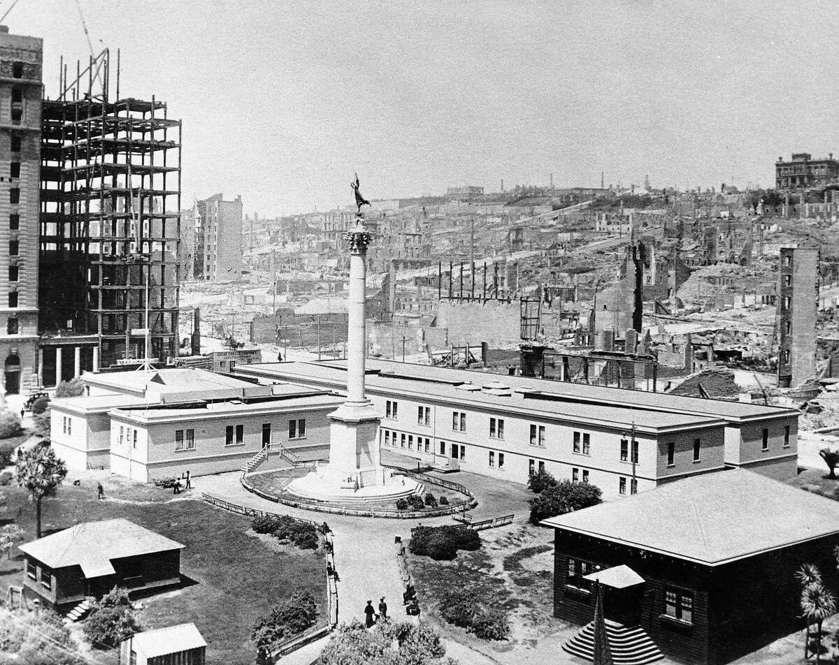 A historical shot of Union Square shortly after the 1906 earthquake. San Francisco Examiner photo.