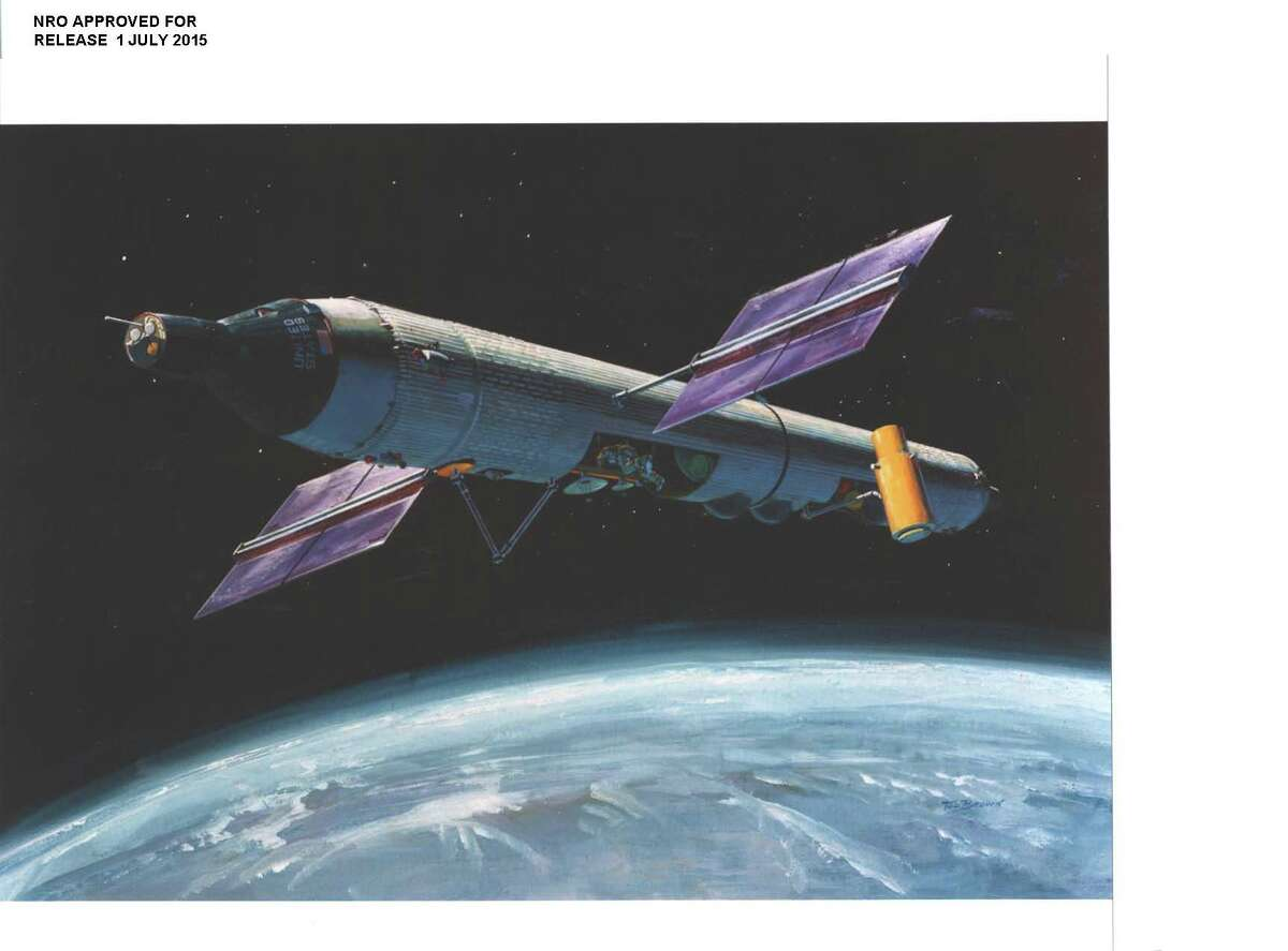 Newly declassified image of the proposed orbital structure for the Manned Orbiting Laboratory project run primarily in secret by the United States Air Force and the National Reconnaissance Office (a U.S. government organization classified until 1992). The MOL project was designed to put Air Force personnel in space to spy on Russia, in particular, for up to 40 days at a time using photography and other tools. The program was announced in 1963 as an experimental program to test the viability of man in space, with its real purpose remaining classified until October 2015. MOL was decommissioned in 1969 after spending more than $1.3 billion and without a manned flight. (No detailed information was provided for the photo.)