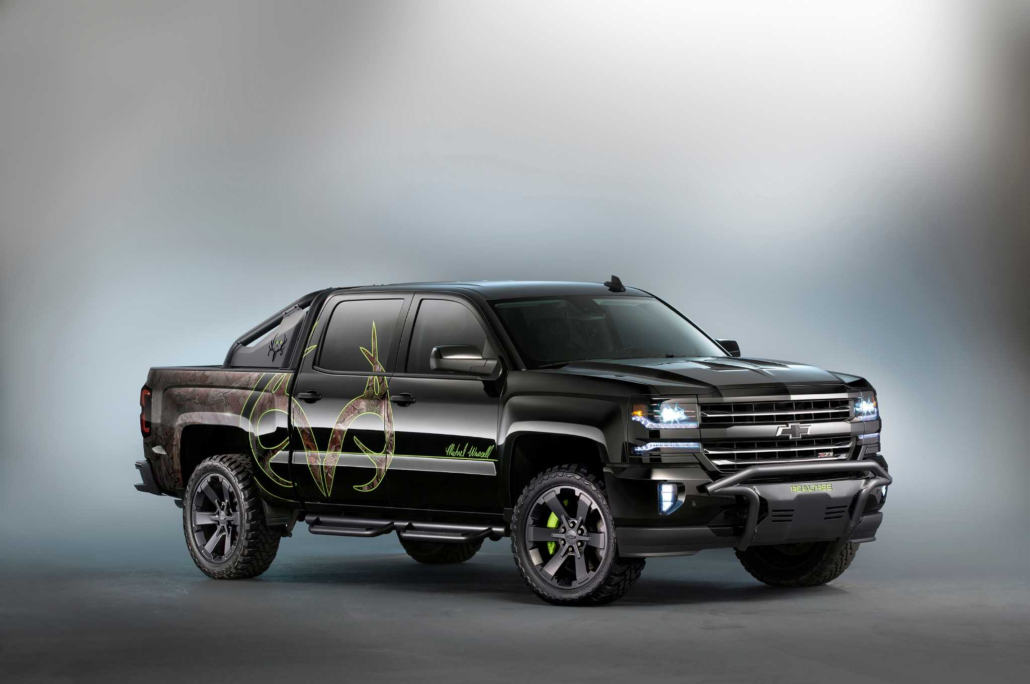 chevy showcases special edition silverado colorado heavy duty models houston chronicle. Black Bedroom Furniture Sets. Home Design Ideas