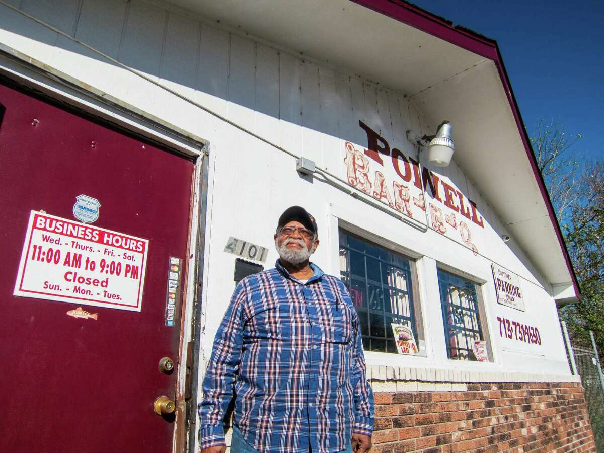 Felix Powell serves barbecue flavored with African-American and Cajun traditions.