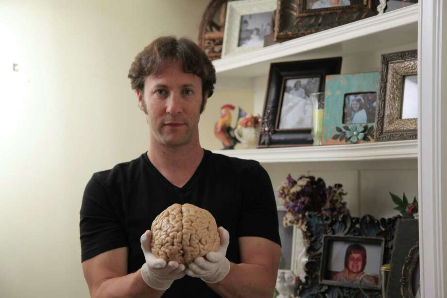 Neuroscientist David Eagleman quietly left Houston to become a California entrepreneur 1 1/2 years ago. Now San Francisco magazine wants to know: Havehis big ideas, pumped up with Silicon Valley cash, made him a brain-oil salesman?