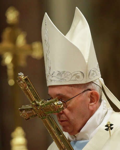 Pope Francis desires a 2016 that will be better than 2015. Photo: Gregorio Borgia /Associated Press / AP