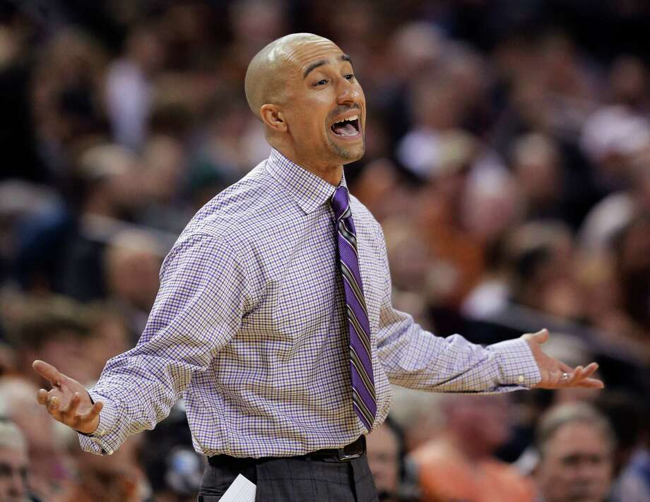 Texas coach Shaka Smart questions a call during the second half of his team's NCAA college basketball game against Connecticut, Tuesday, Dec. 29, 2015, in Austin, Texas. Connecticut won 71-66. (AP Photo/Eric Gay) Photo: Eric Gay, STF / Associated Press / AP