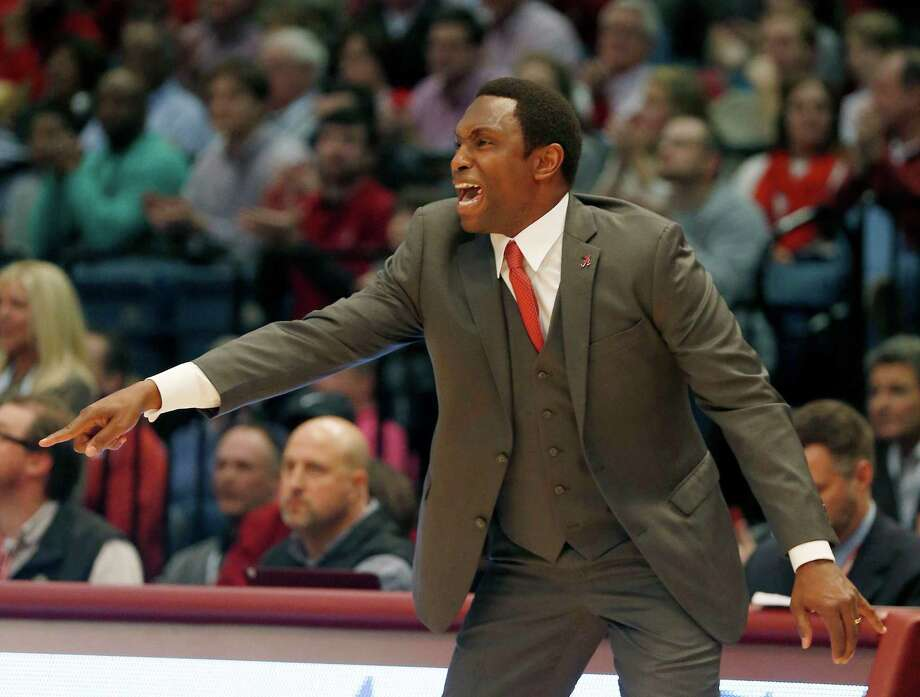 Alabama head coach Avery Johnson reacts to a call during the first half of an NCAA college basketball game against Oregon, Monday, Dec. 21, 2015, in Birmingham, Ala. (AP Photo/Butch Dill) Photo: Butch Dill, FRE / Associated Press / FR111446 AP