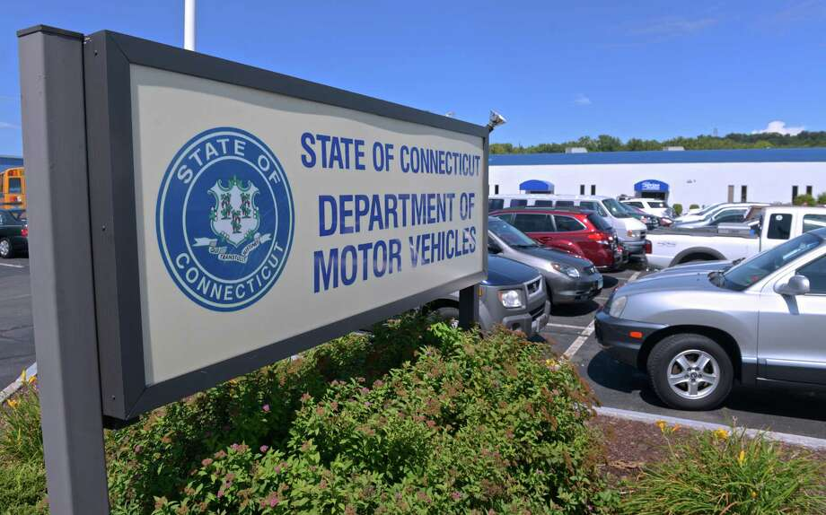 The average wait time at Connecticut DMV locations has dropped to 52 minutes. Photo: H John Voorhees III / Hearst Connecticut Media / The News-Times